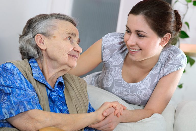 Financial Actions To Be Taken if Mom Has Alzheimer's